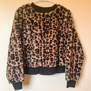 Cheeta print fleece pullover